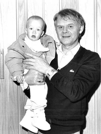 Bestefar Mathias og Iselin har alltid hatt et nært og godt forhold. Han ble glad da barnebarnet sa ja til å ta over familiebedriften.
