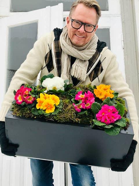Plantekassene fra BEDD har 10 års rustgaranti, og du kan til og med bytte ut paneler på kassene om noe går i stykker. – Bærekraftig og smart, sier gartner Tom Egeberg Hvål.