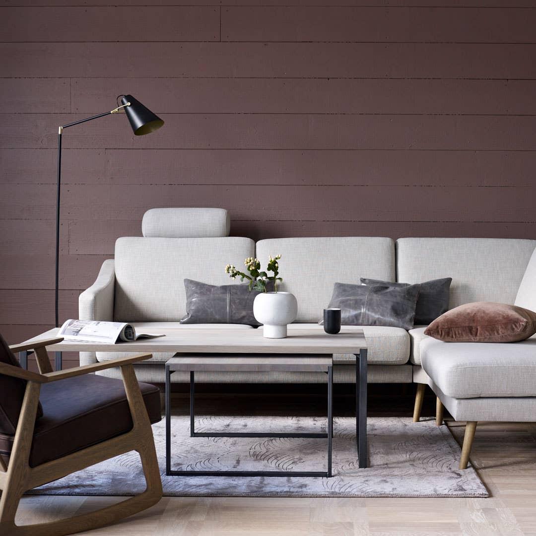 Jord- og rusttoner blir viktige for både møbler og tilbehør i høst, og har du en nøytral sofa kan du enkelt tilsette puter i trendnyansene for å få den oppdateringen du ønsker deg.
