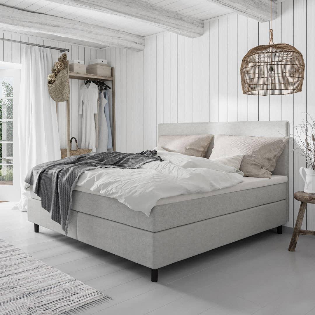 Harmony fra Wonderland. Wonderland bruker resirkulerbart tekstil som lages av restprodukter – det sparer miljøet og er bærekraftig. Sengene finnes i mange ulike tekstiler, farger og teksturer – og bidrar til å gi deg en god natts søvn.