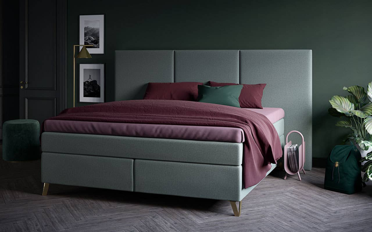 Ton-i-ton nyanser på vegg og seng skaper et harmonisk uttrykk, og gir et snev av luksus på soverommet. Den nydelige grønnfargen på Wonderland® Smaragd - kontinentalseng er som skapt for stilen.