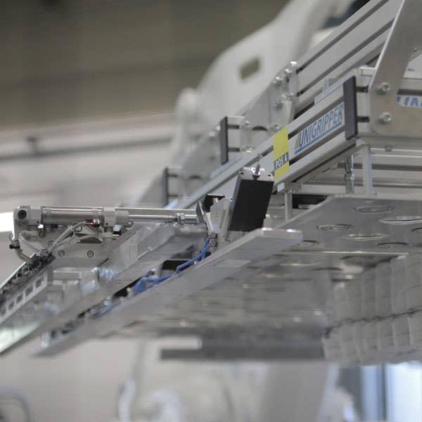 Wonderland velger å satse på produksjonen sin her i Norge ved å investere i moderne teknologi.