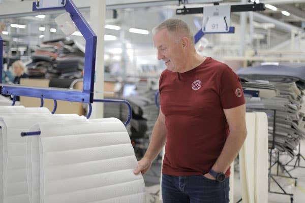 Wonderland-fabrikken er verdens mest avanserte sengefabrikk, sier Lars Stenerud, administrerende direktør i Wonderland.