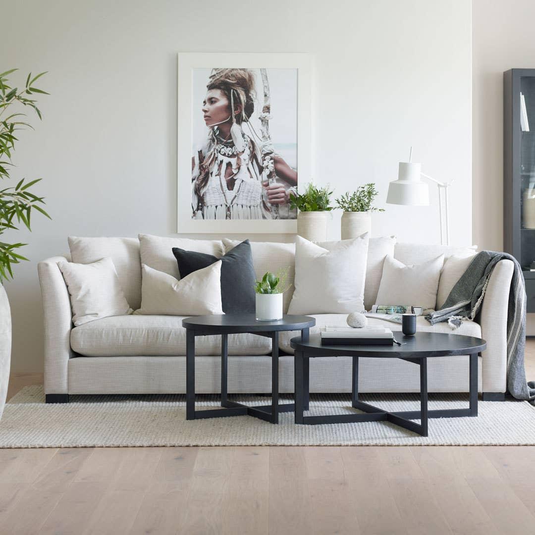 Sofaen Happy fra Troels passer like godt om du er singel og barnløs som for deg som har mange småfolk i husholdningen – det handler bare om å sette sammen den perfekte sofaen for ditt bruk.