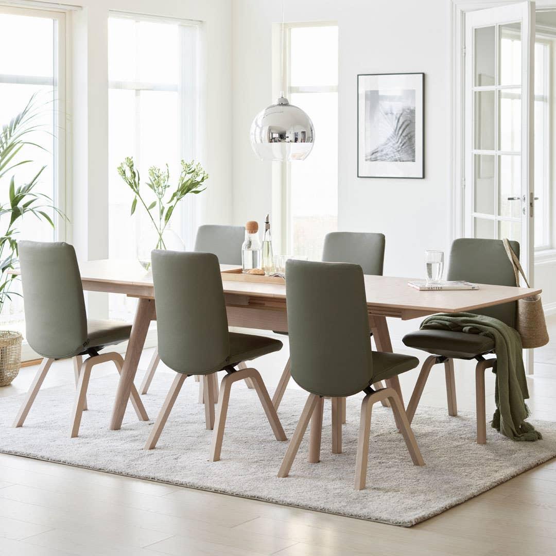 Stressless Toscana spisebord med Stressles Laurel spisestol.